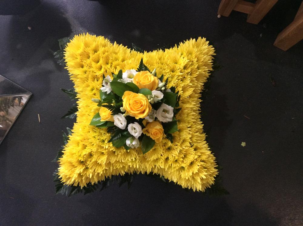 F122-Cushion-funeral